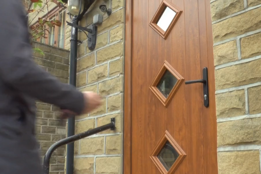 Watch How Quickly A Burglar Can Break In To Your Home